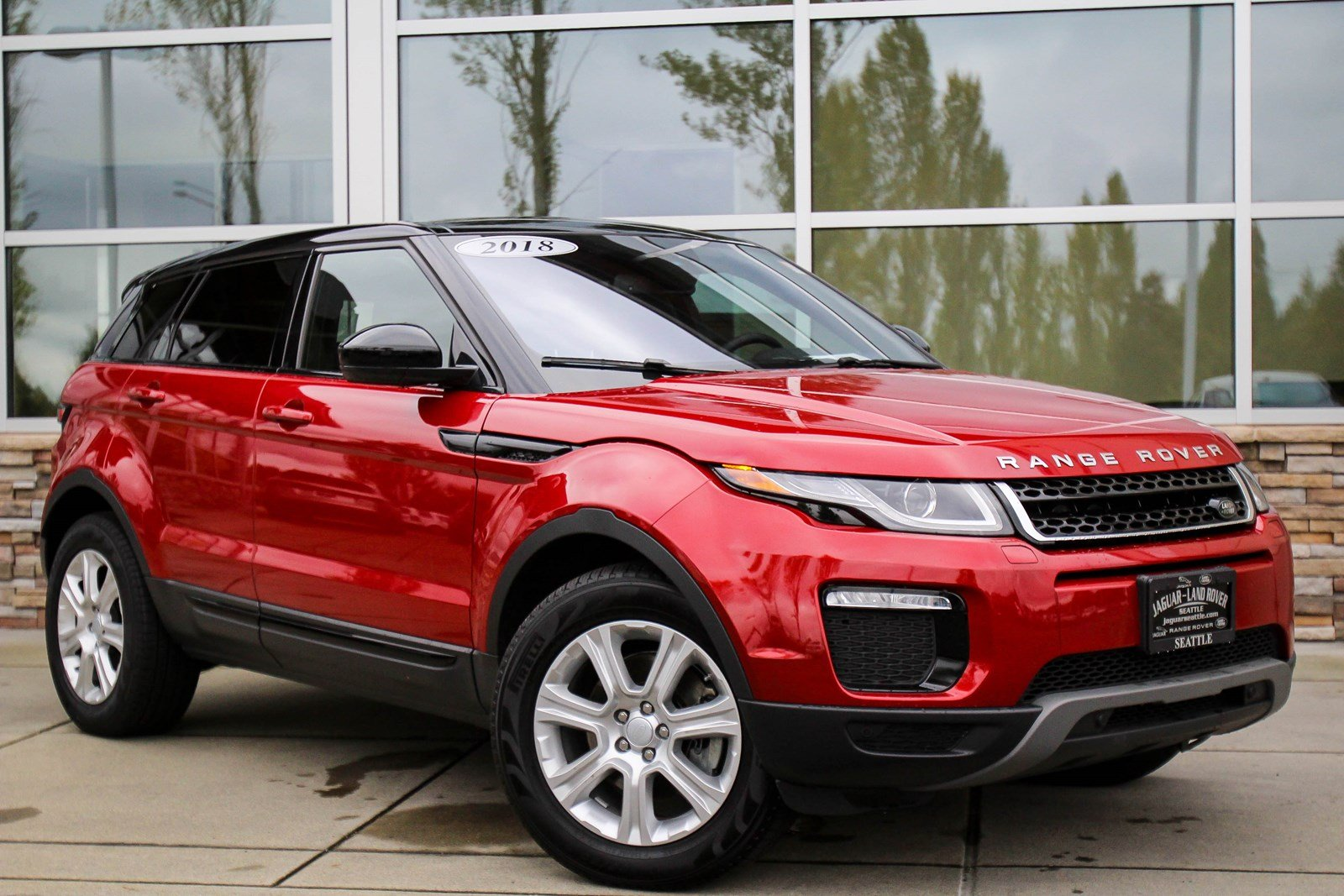 pre owned 2018 land rover range rover evoque se premium. Black Bedroom Furniture Sets. Home Design Ideas